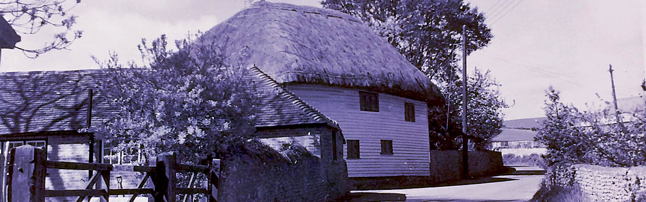 Rodmell.net-slider-Deep-Thatch-Cottage-1280x400